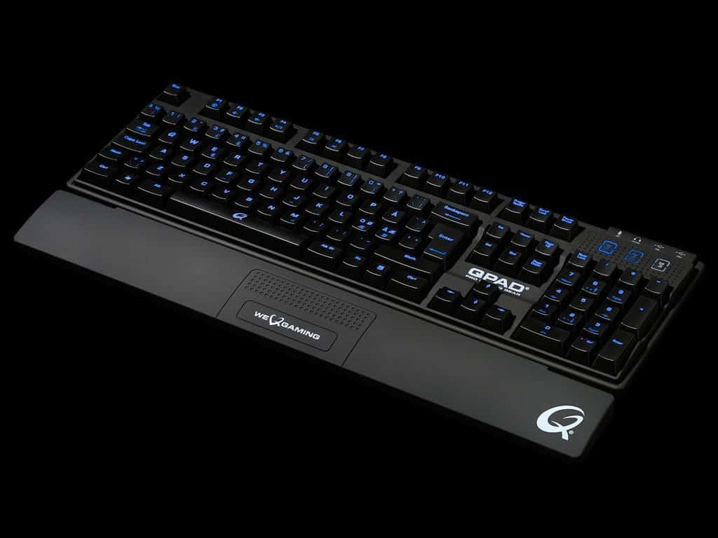 Qpad MK-80 Pro Gaming Backlit Mechanical gaming Keyboard
